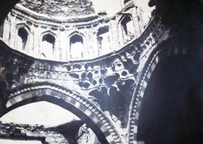 جزء من القبة في قاعة الذهب في قصر العظم بحماة قبل الترميم part of the dome goledn hall in alazem palace hama before restoration